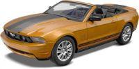 Snap Kit MONOGRAM auto 1963 - 2010 Ford Mustang Convertible (1:25)