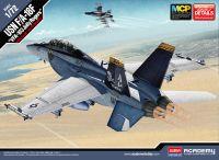 "Model Kit letadlo 12535 - USN F/A-18F ""VFA-103 Jolly Rogers"" MCP (1:72)"