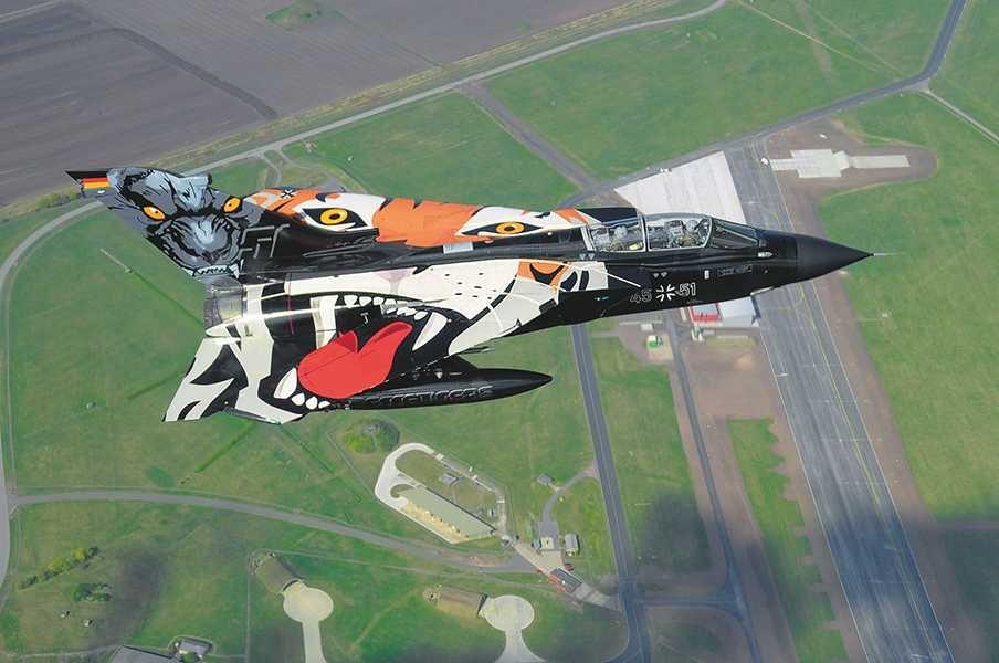 """Plastic ModelKit letadlo 04660 - Tornado """"Black Panther"""" (1:72) Plastikové modely"""